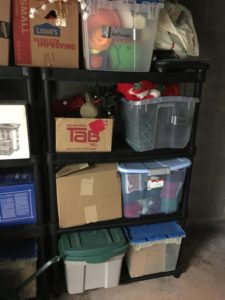 manage Christmas clutter